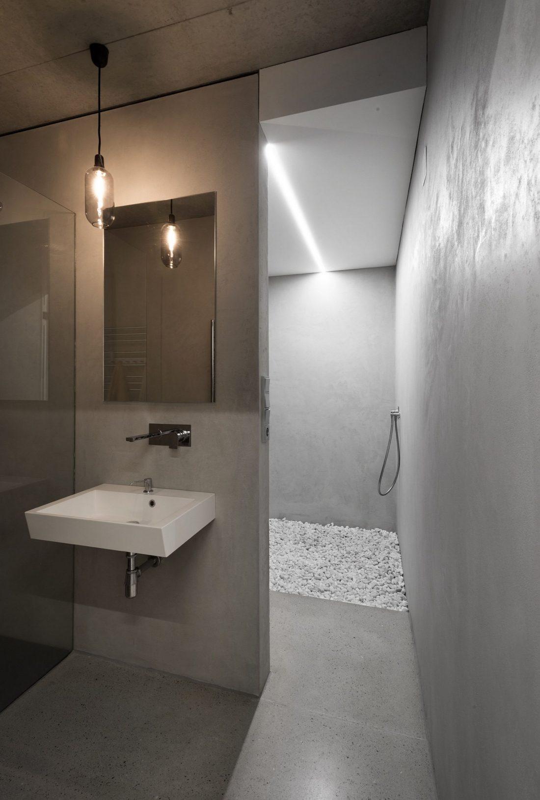 villa-z-v-chehii-v-monohromnom-stile-foto-interera-11