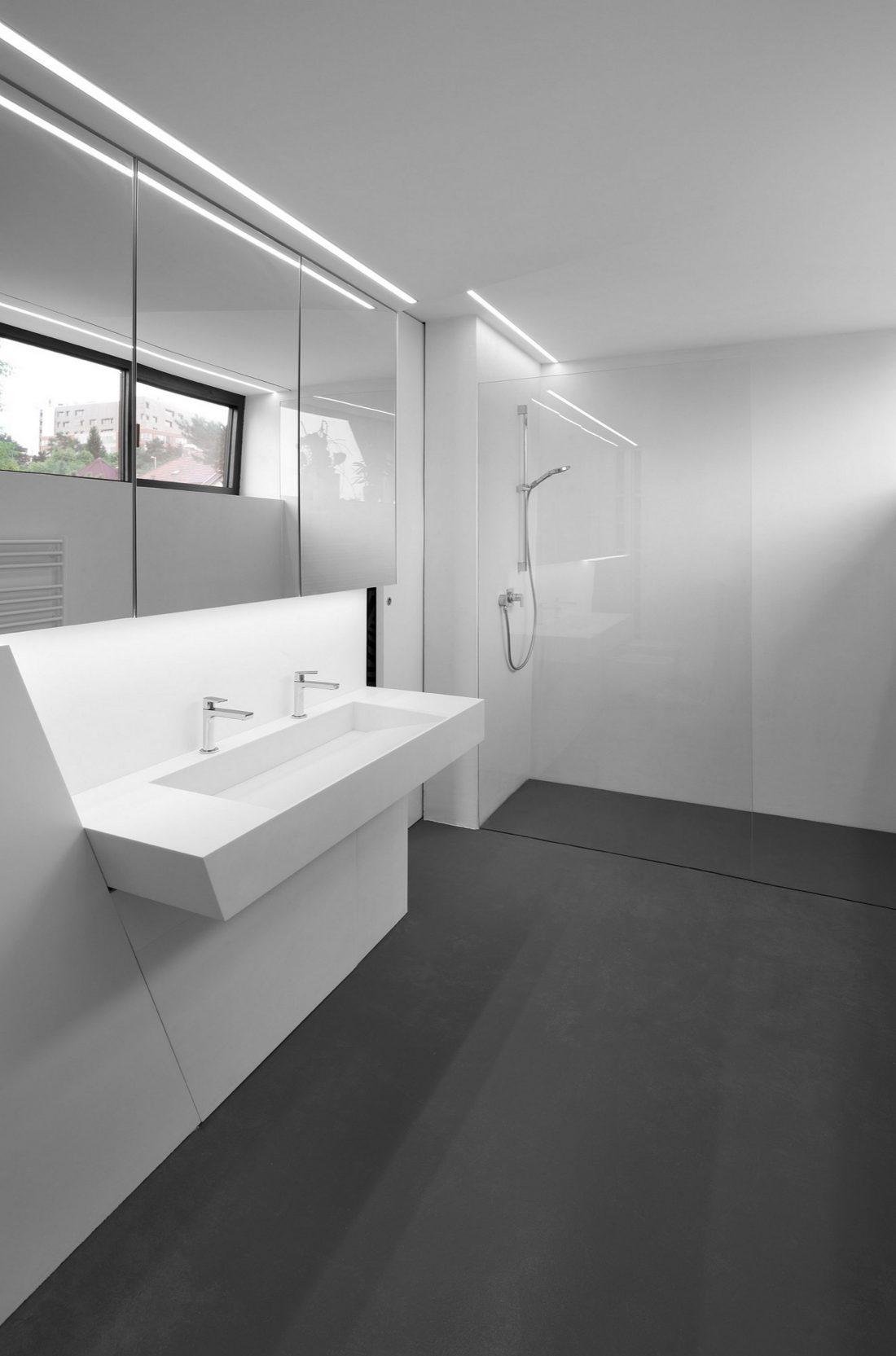 Стиль минимализм в интерьере ванной комнаты-9