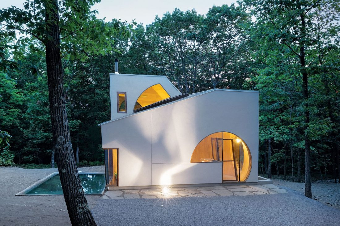 4d-gostevoj-dom-v-lesu-po-proektu-steven-holl-architects-1