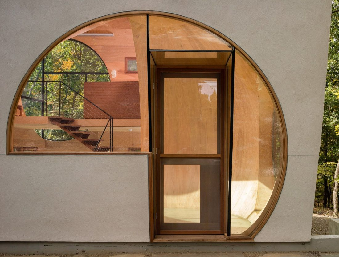 4d-gostevoj-dom-v-lesu-po-proektu-steven-holl-architects-20