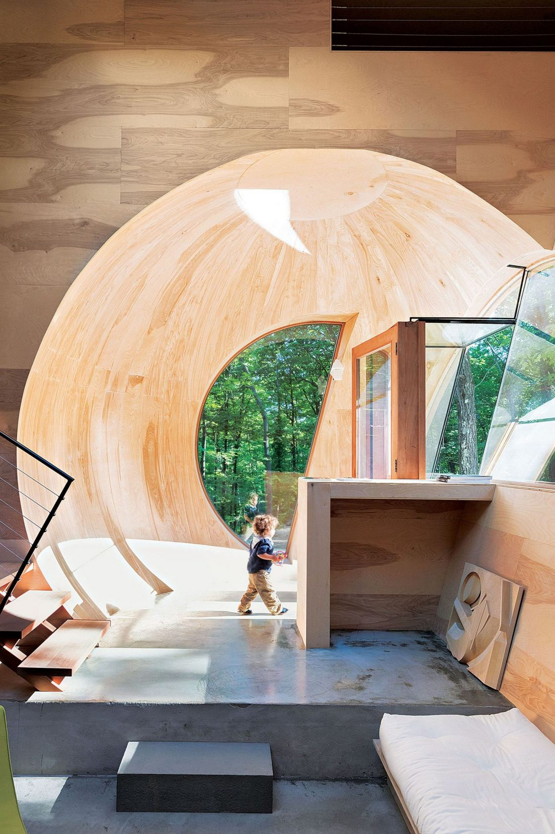 4d-gostevoj-dom-v-lesu-po-proektu-steven-holl-architects-4