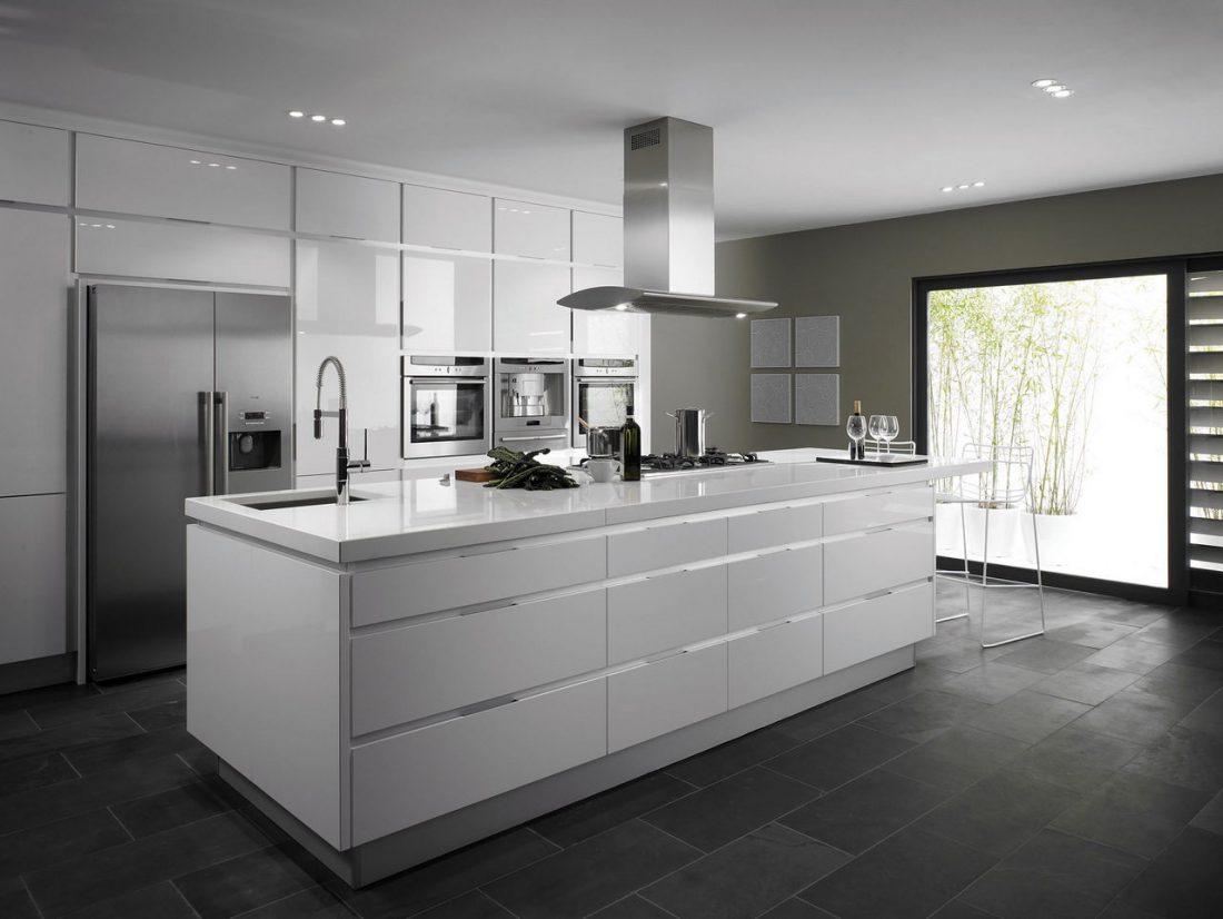 Стиль минимализм в интерьере кухни-12