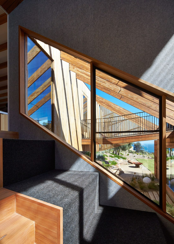 raskolotyj-dom-shedevr-zodchestva-ot-studii-bkk-architects-12