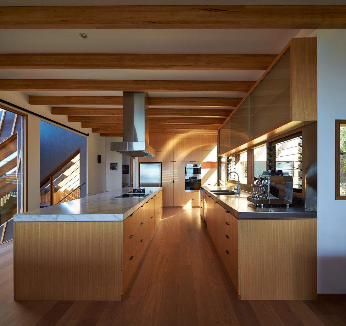 raskolotyj-dom-shedevr-zodchestva-ot-studii-bkk-architects-13