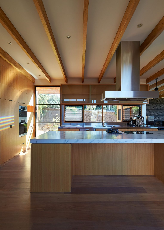 raskolotyj-dom-shedevr-zodchestva-ot-studii-bkk-architects-25