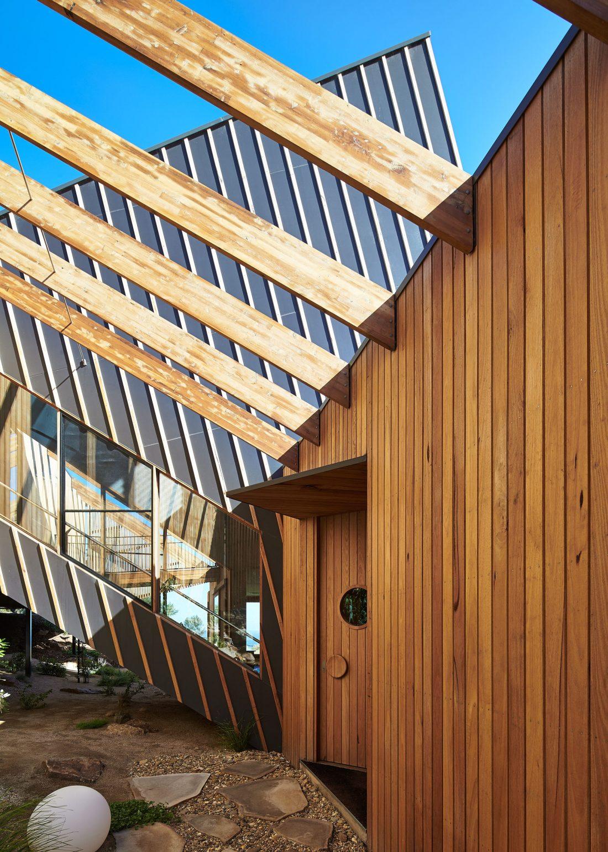 raskolotyj-dom-shedevr-zodchestva-ot-studii-bkk-architects-30