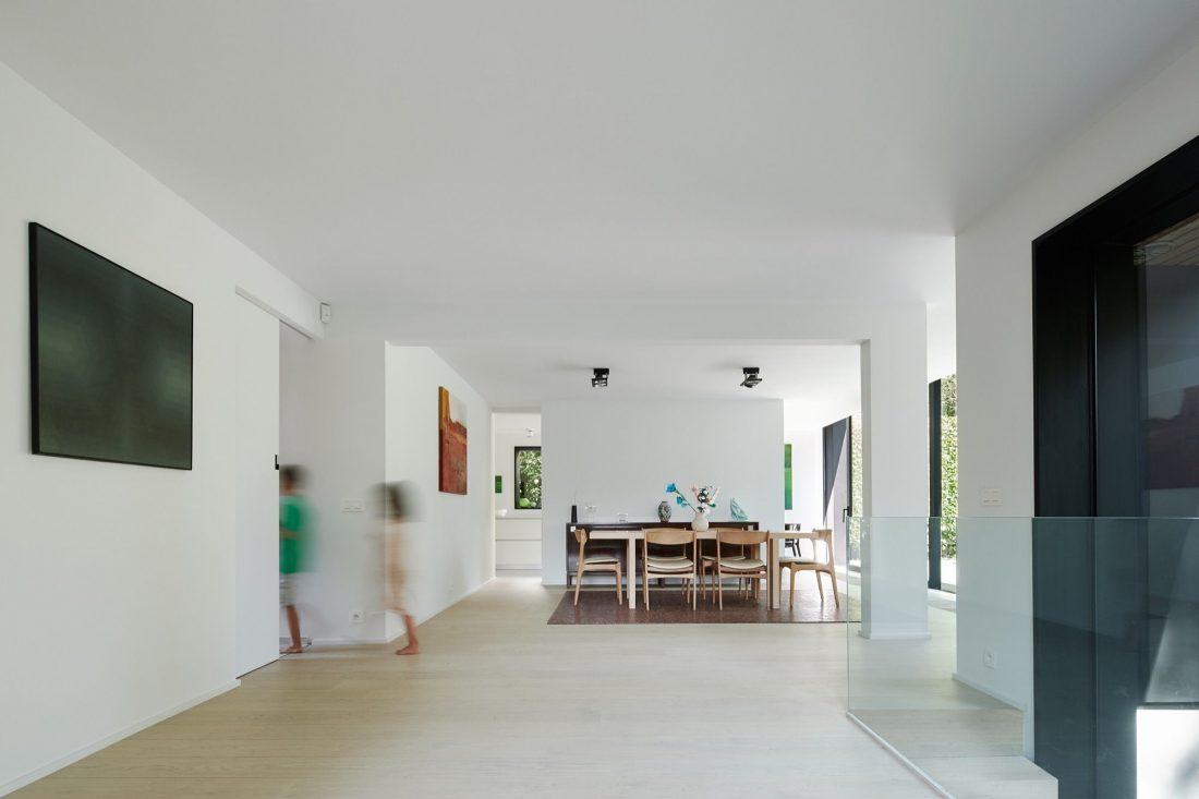 rekonstruktsiya-kottedzha-v-belgii-po-proektu-edouard-brunet-i-fransois-martens-2