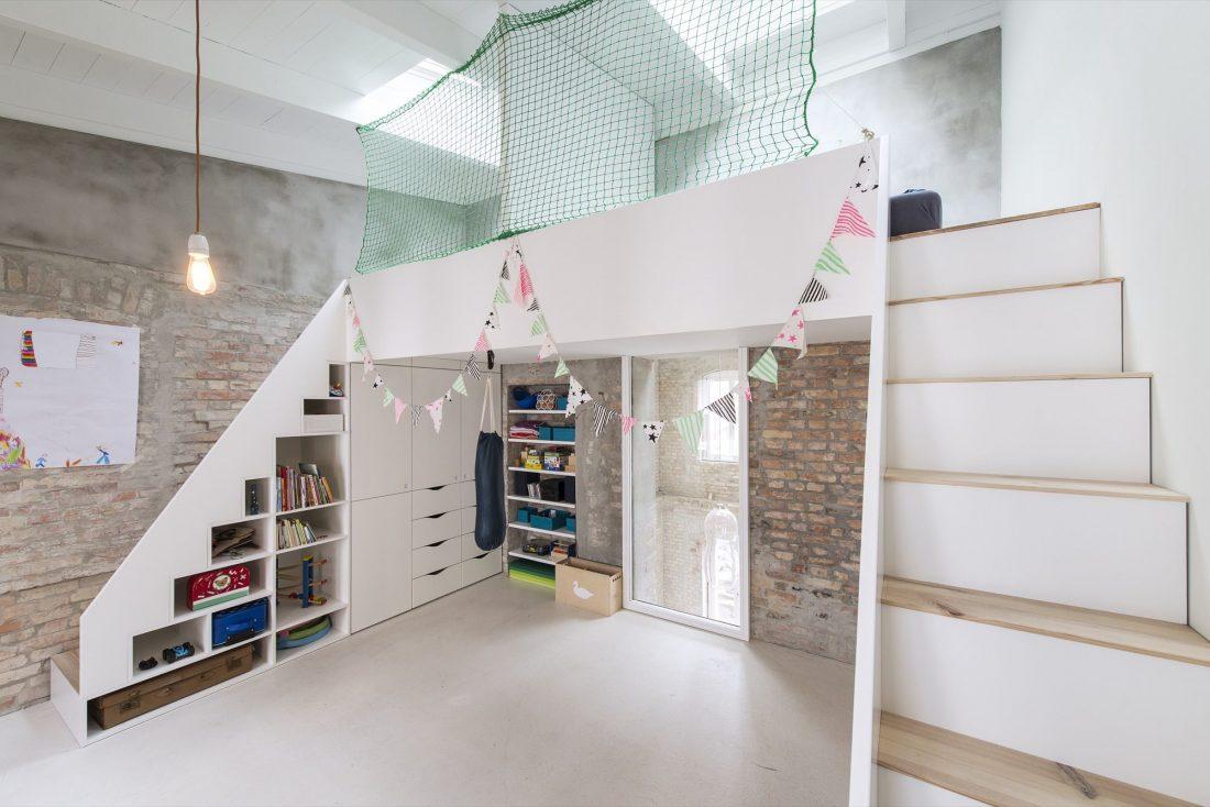 rekonstruktsiya-starinnogo-zdaniya-v-berline-po-proektu-asdfg-architekten-17