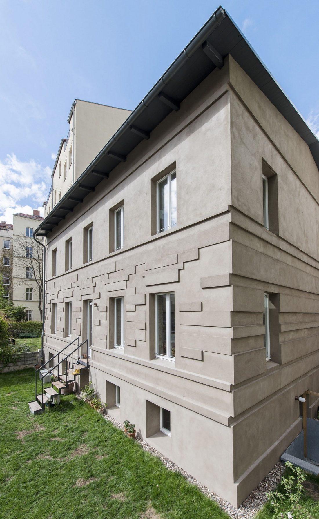 rekonstruktsiya-starinnogo-zdaniya-v-berline-po-proektu-asdfg-architekten-8