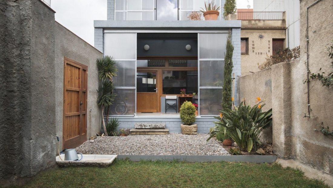 trehetazhnyj-dom-v-barselone-po-proektu-studii-h-arquitectes-11