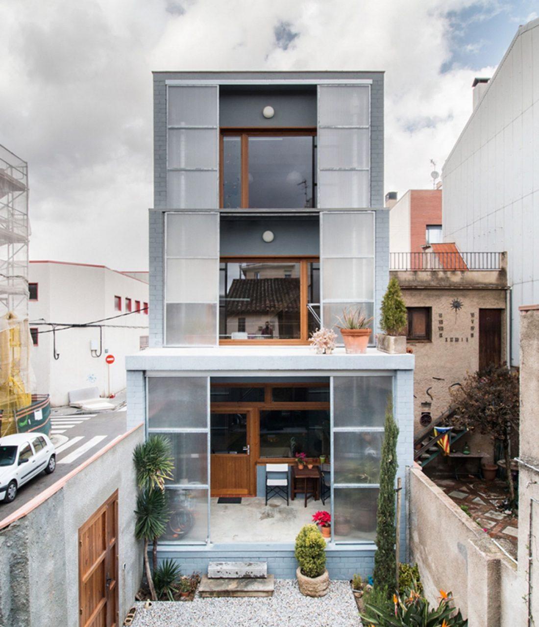trehetazhnyj-dom-v-barselone-po-proektu-studii-h-arquitectes-16