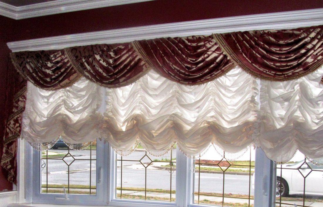 Австрийские шторы в гостиной 1