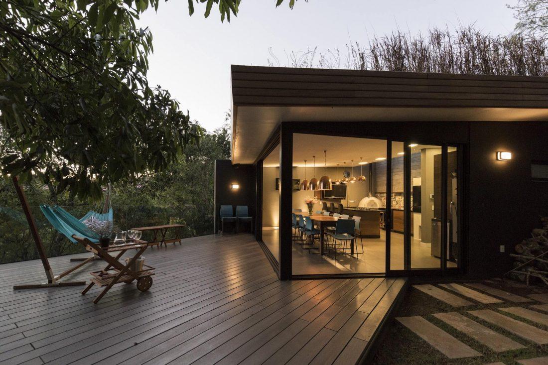 Деревенский дом в Бразилии от студии Sacha Zanin 1