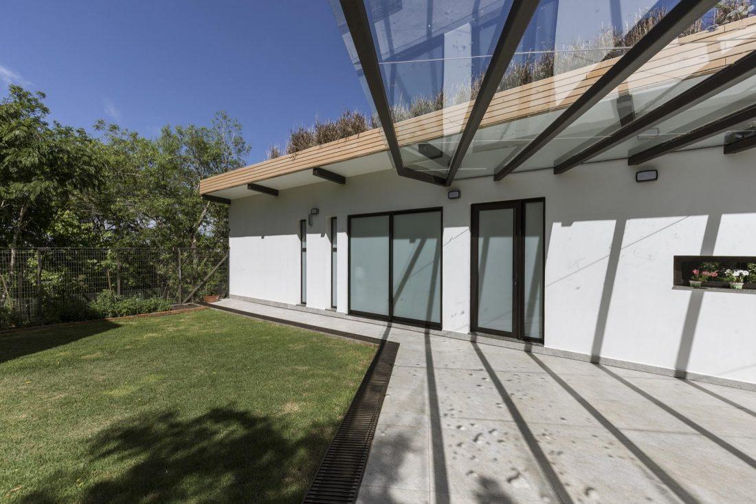 Деревенский дом в Бразилии от студии Sacha Zanin 10