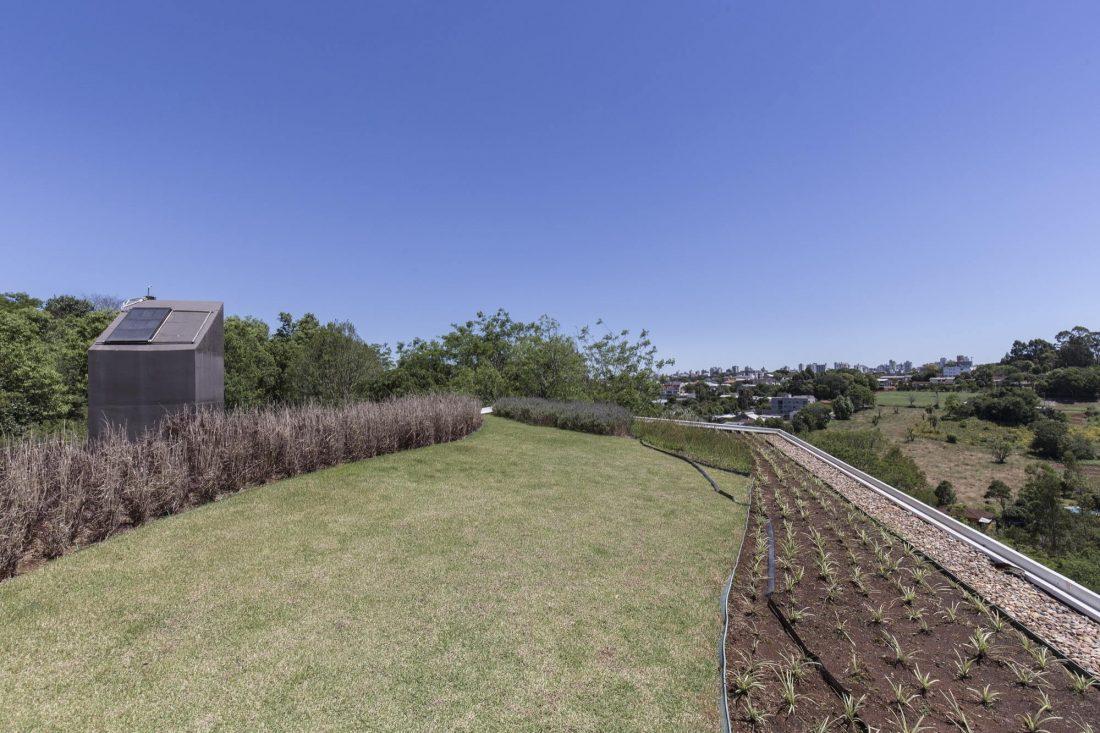 Деревенский дом в Бразилии от студии Sacha Zanin 25