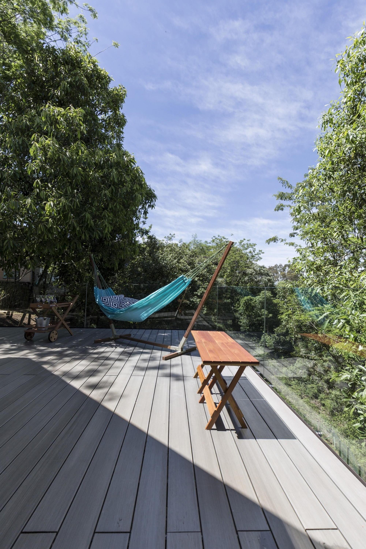 Деревенский дом в Бразилии от студии Sacha Zanin Небольшой Дом в Стиле Хай Тек