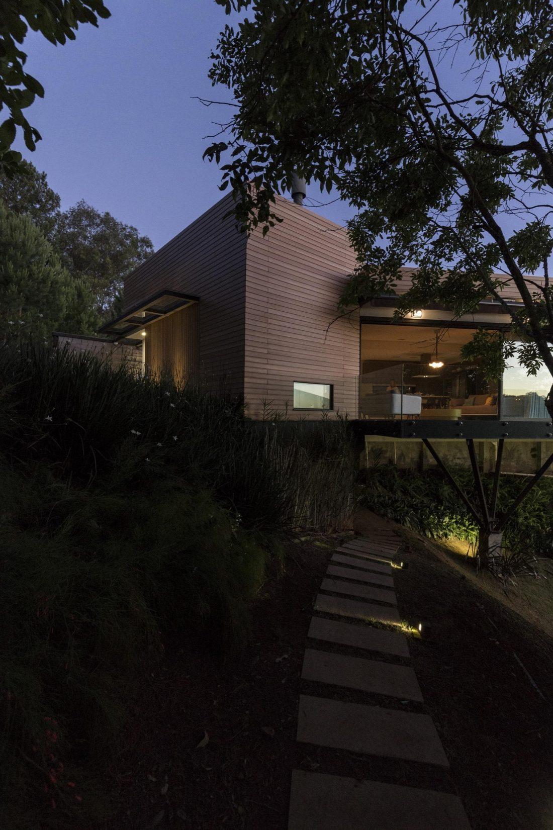Деревенский дом в Бразилии от студии Sacha Zanin 29