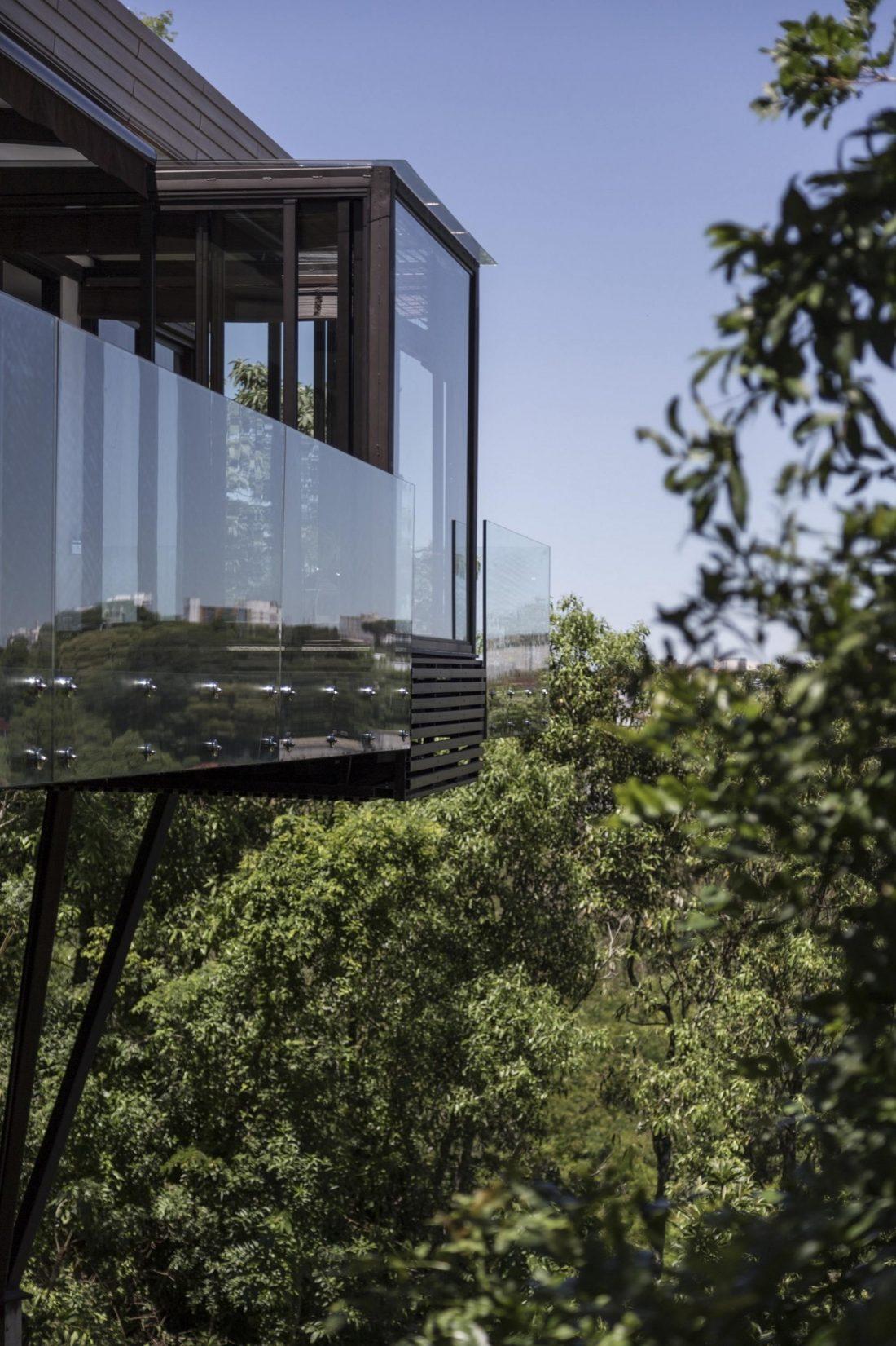 Деревенский дом в Бразилии от студии Sacha Zanin 30