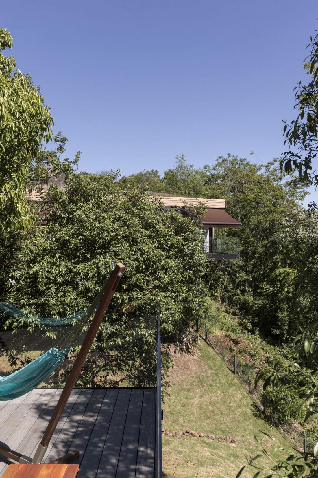 Деревенский дом в Бразилии от студии Sacha Zanin 31