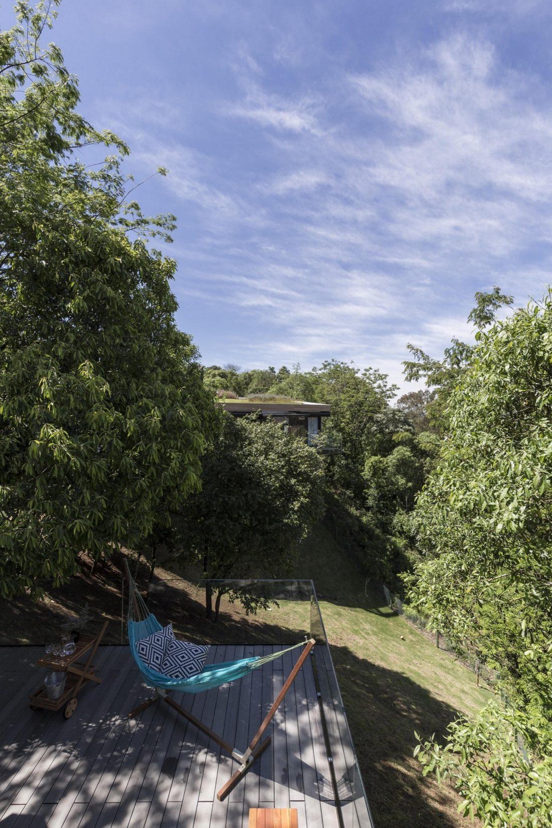 Деревенский дом в Бразилии от студии Sacha Zanin 33
