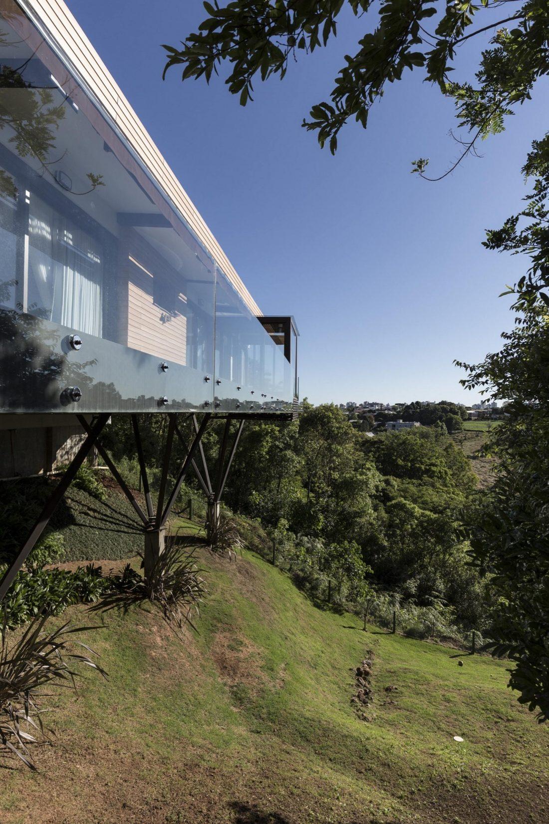 Деревенский дом в Бразилии от студии Sacha Zanin 4