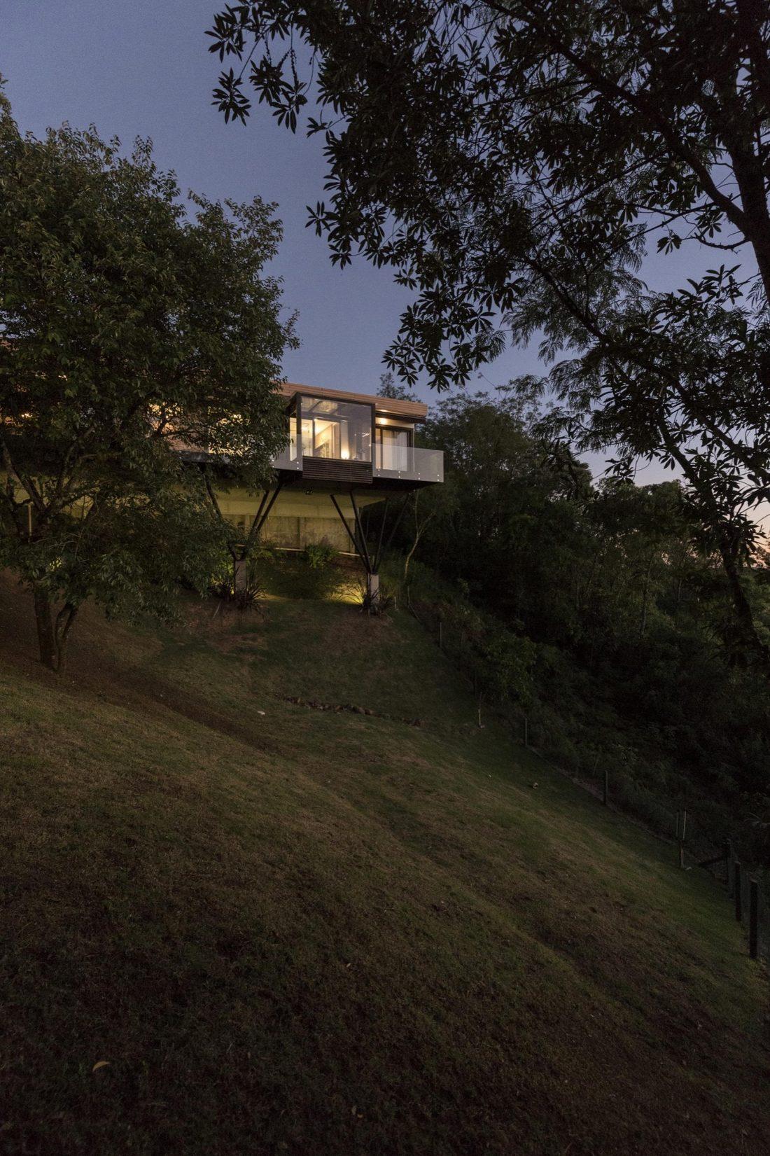 Деревенский дом в Бразилии от студии Sacha Zanin 9