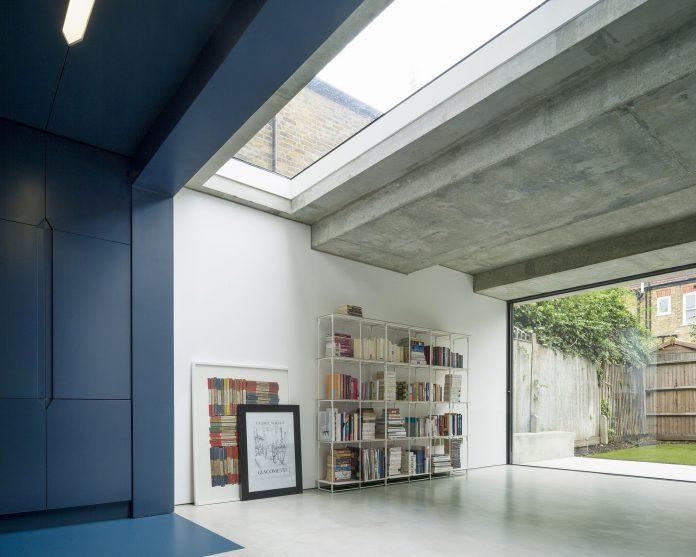dinamika-i-obem-v-predelah-50-metrov-proekt-bureau-de-change-architects-2