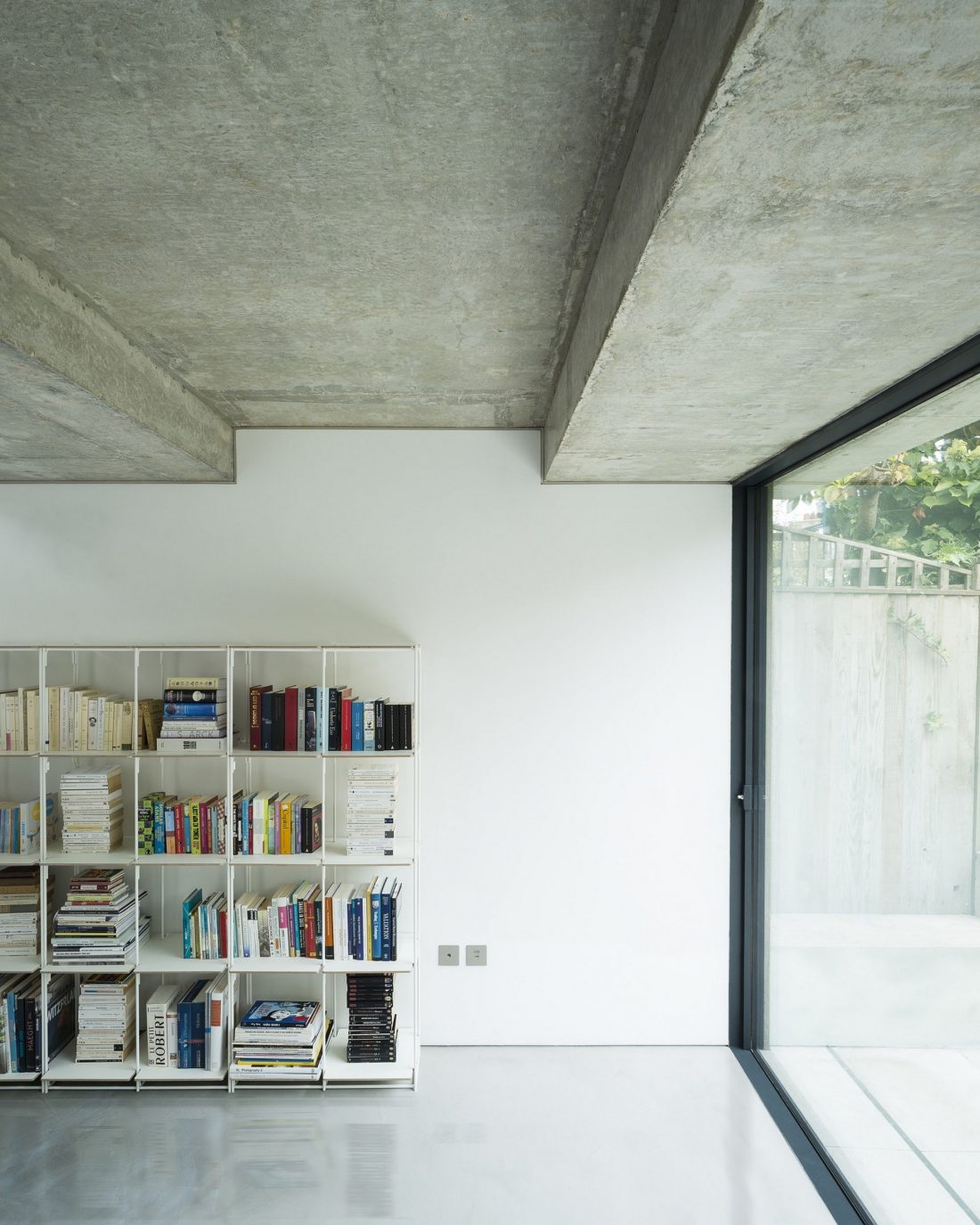 dinamika-i-obem-v-predelah-50-metrov-proekt-bureau-de-change-architects-7
