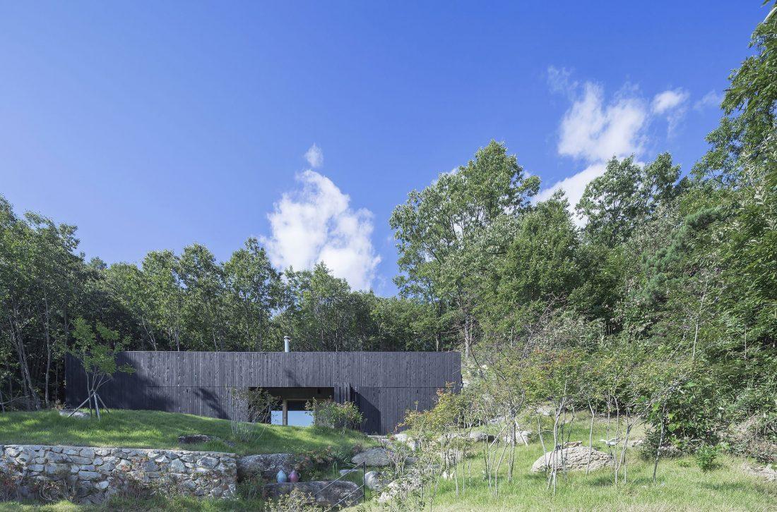 Дом на склоне горы от студии BCHO Architects 10