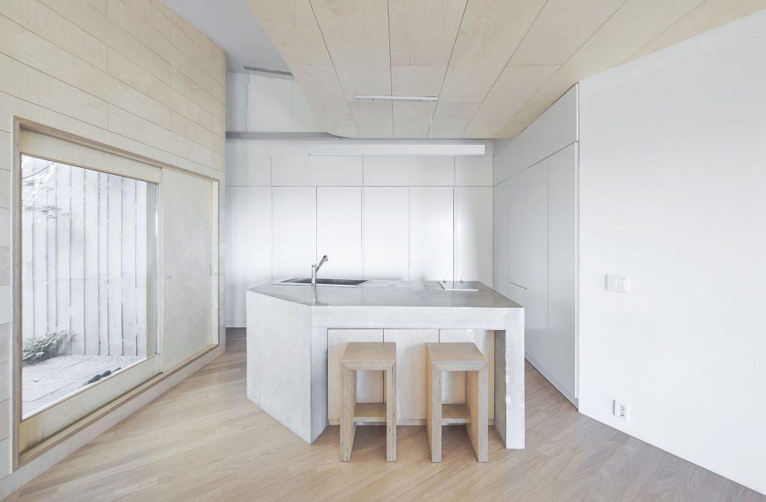 Дом на склоне горы от студии BCHO Architects 15