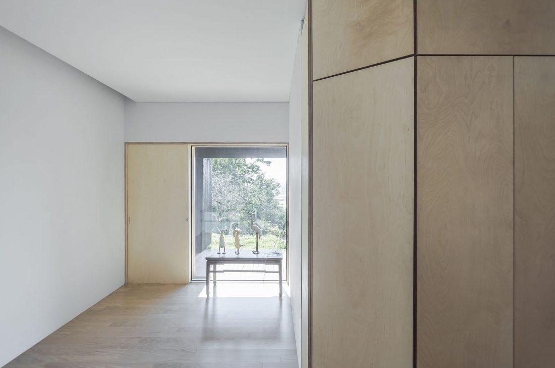 Дом на склоне горы от студии BCHO Architects 17