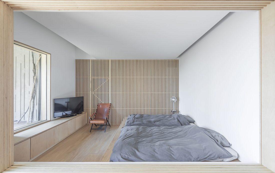 Дом на склоне горы от студии BCHO Architects 19