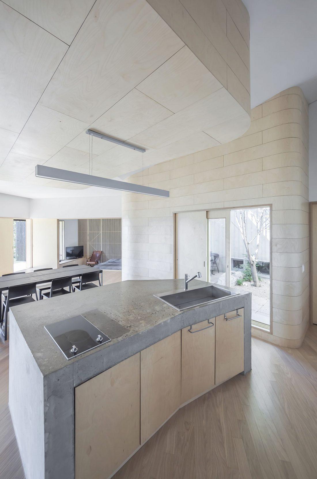 Дом на склоне горы от студии BCHO Architects 22