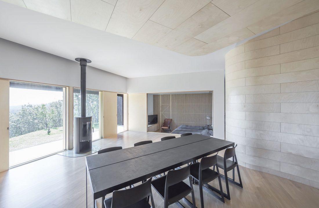 Дом на склоне горы от студии BCHO Architects 5