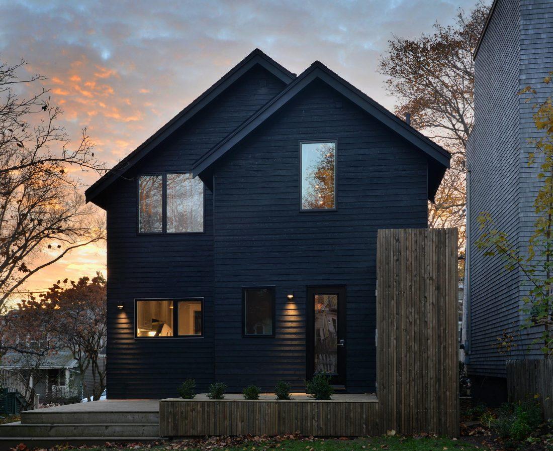 Дом с отделкой из вяза от студии Peter Braithwaite Studio 1