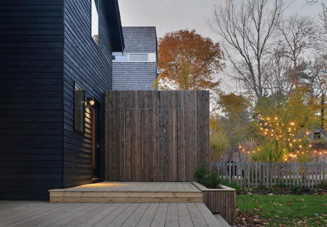 Дом с отделкой из вяза от студии Peter Braithwaite Studio 2