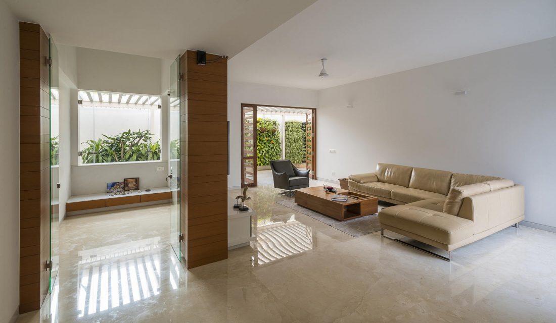 Дом с внутренним двором от Architecture Paradigm 12