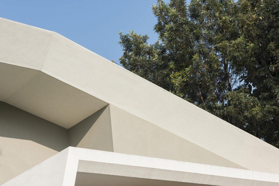 Дом с внутренним двором от Architecture Paradigm 16