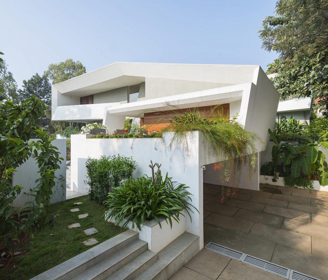 Дом с внутренним двором от Architecture Paradigm 2