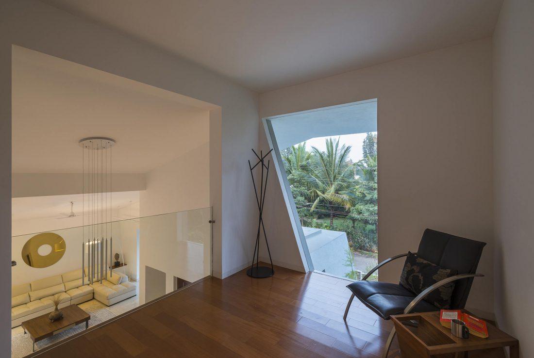 Дом с внутренним двором от Architecture Paradigm 20