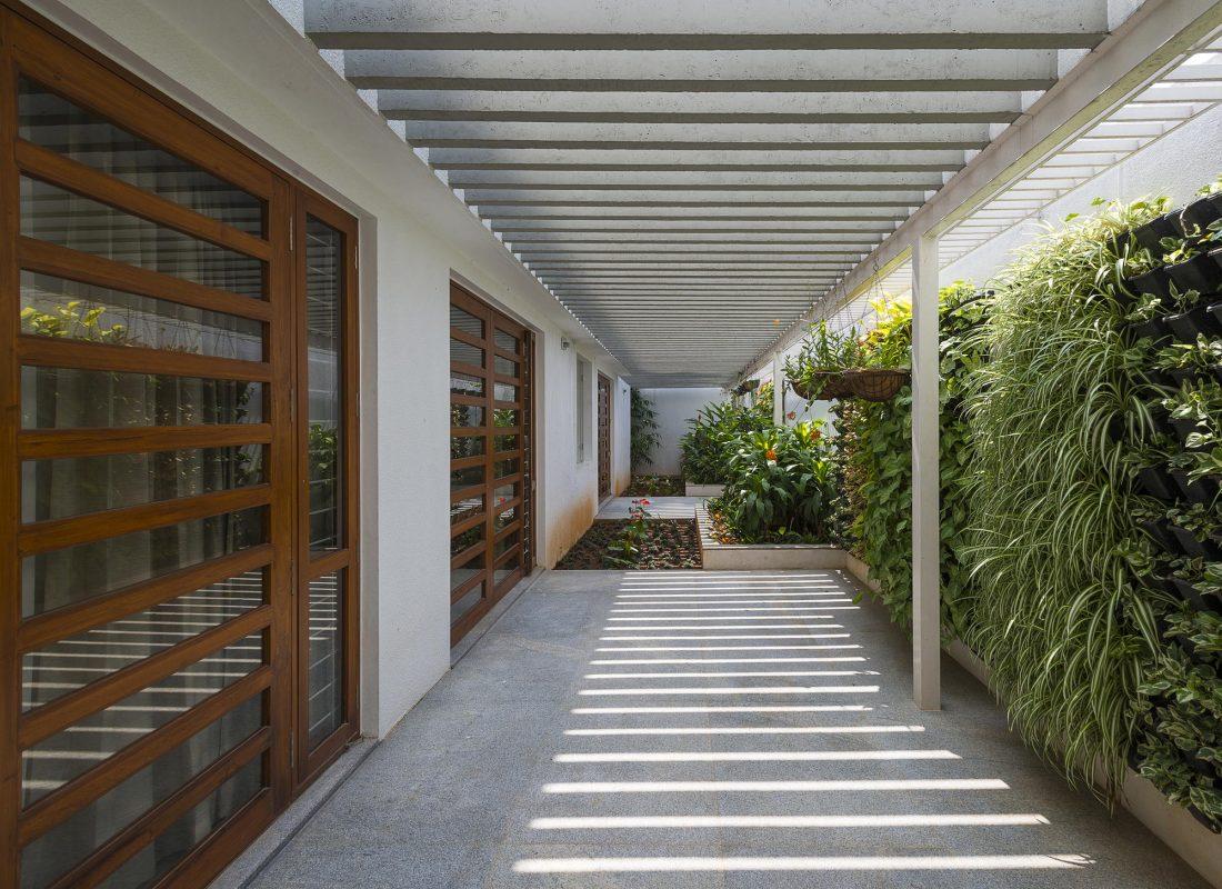 Дом с внутренним двором от Architecture Paradigm 3