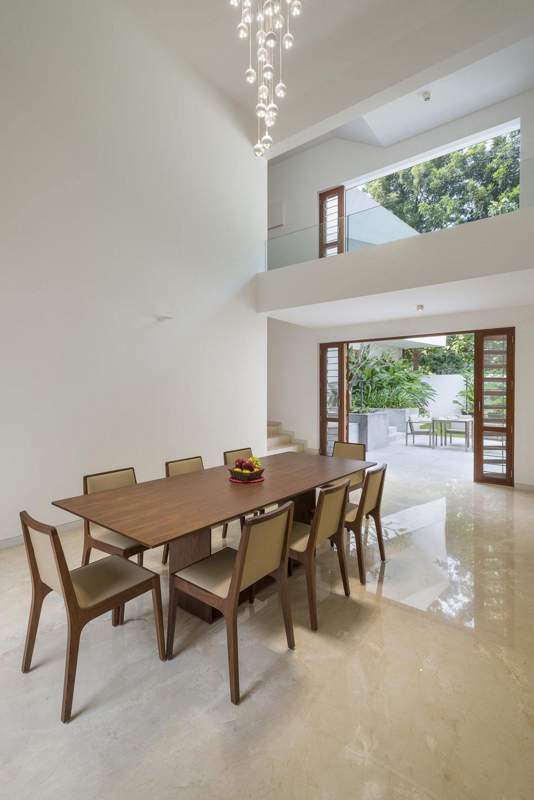 Дом с внутренним двором от Architecture Paradigm 4