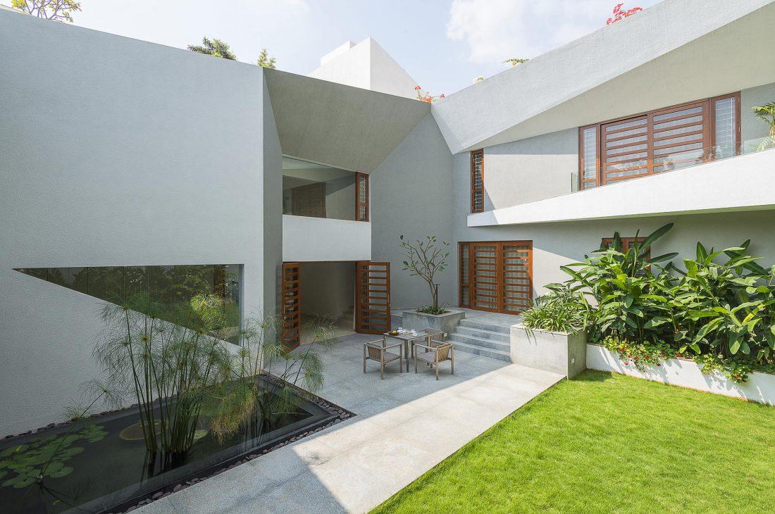 Дом с внутренним двором от Architecture Paradigm 5