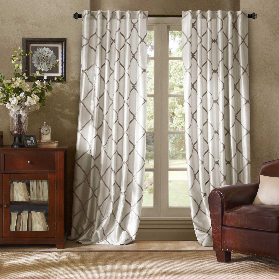 Short curtain panels
