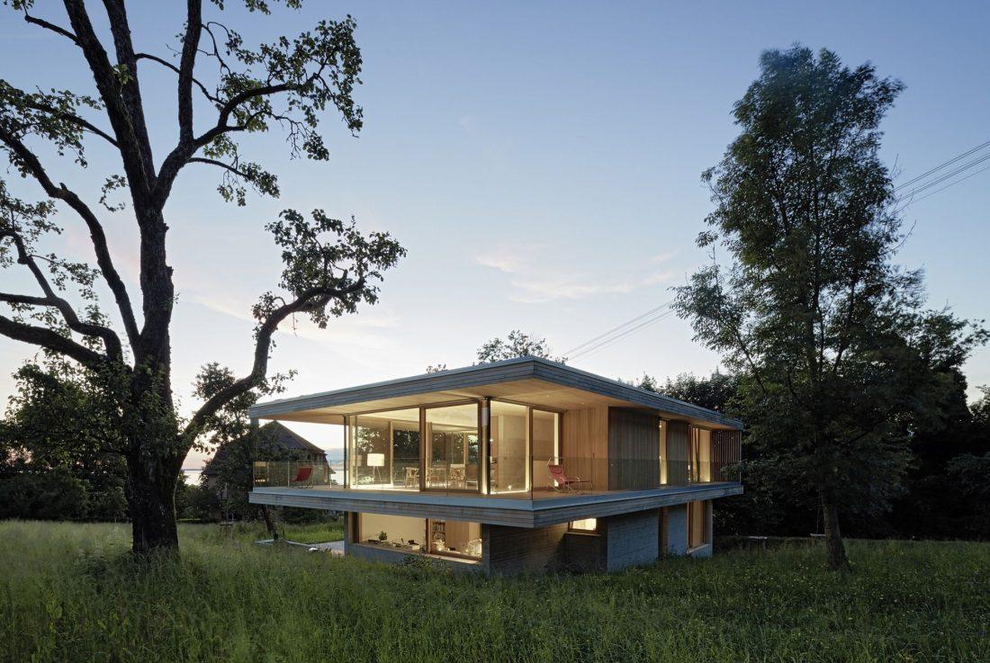 house-d-proekt-studii-dietrich-untertrifaller-architekten-v-soglasii-s-prirodoj-7