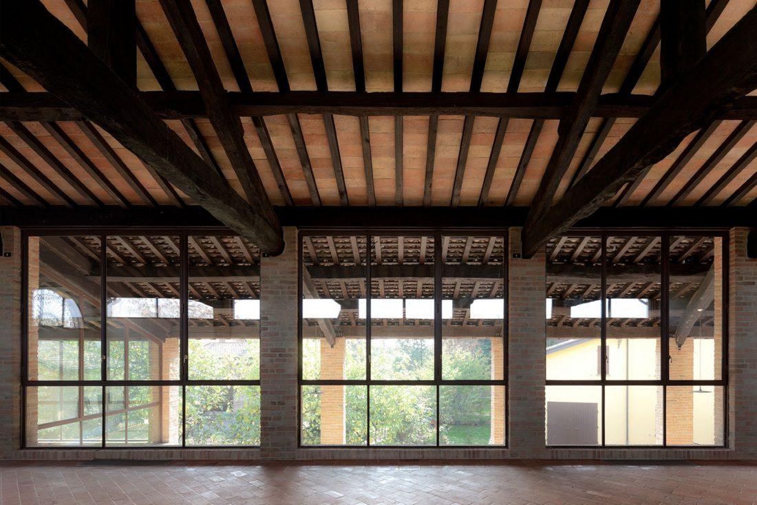 obnovlenie-starinnoj-fermy-ot-studii-studiomas-architetti-2