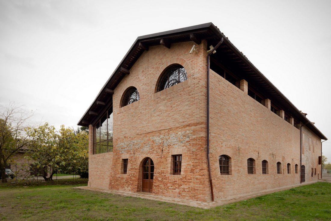 obnovlenie-starinnoj-fermy-ot-studii-studiomas-architetti-7