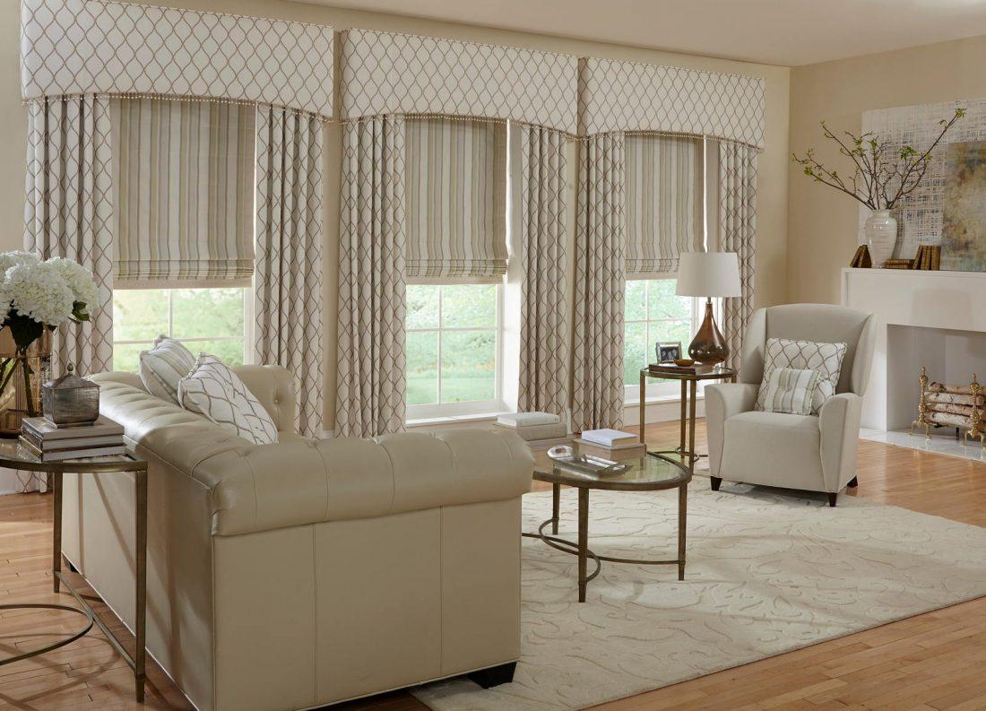 Римские шторы в гостиной 4