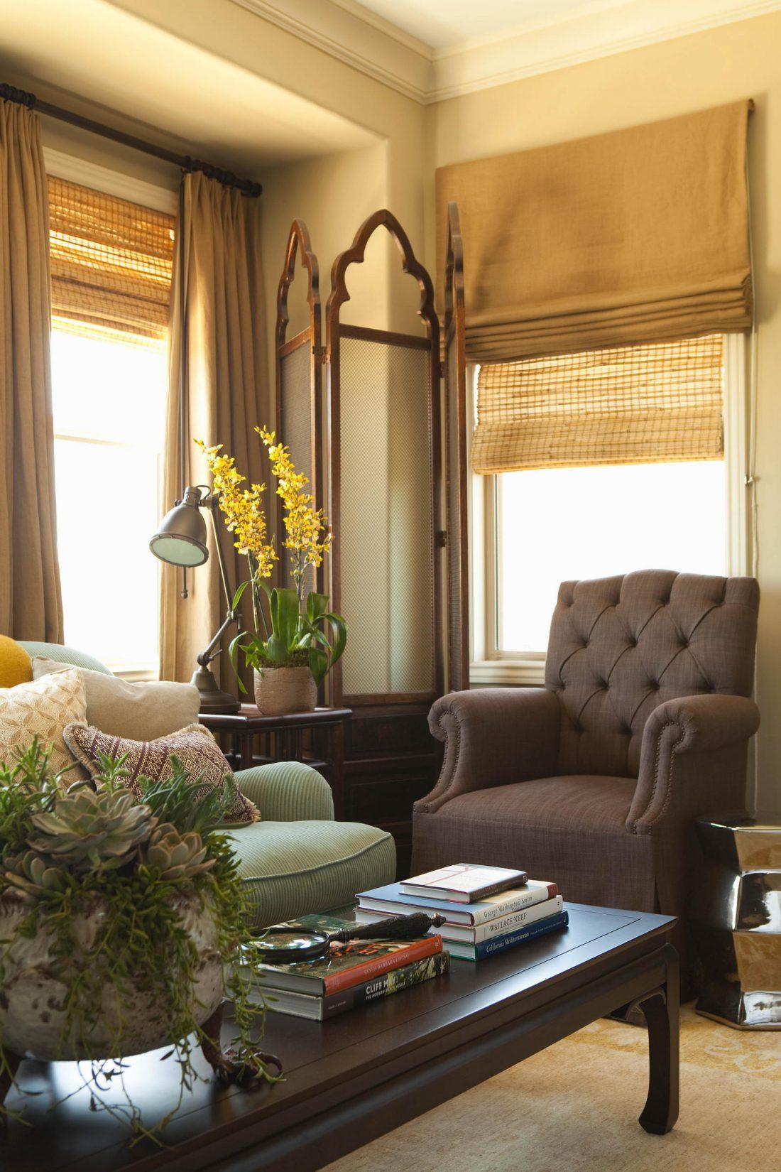Римские шторы в гостиной 5