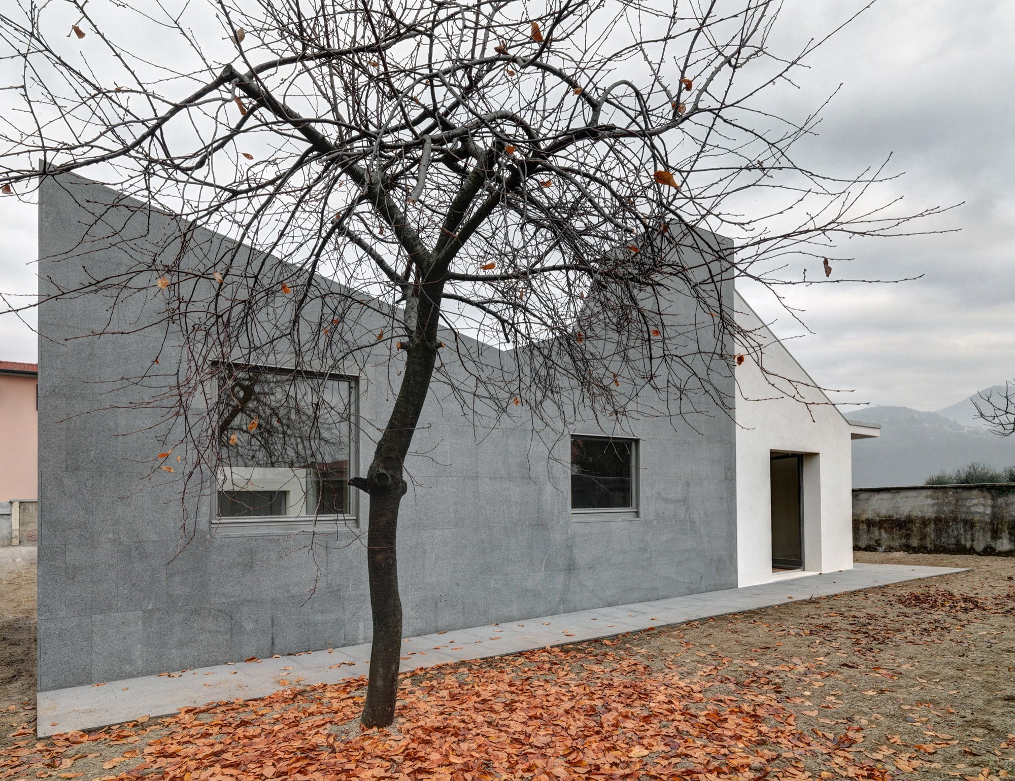 Гранитный дом сколько стоит установить памятник